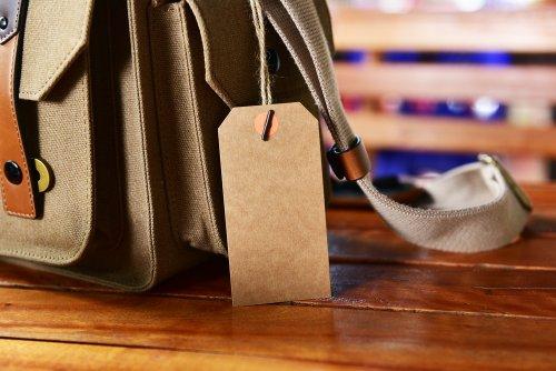 Tas merupakan salah satu benda wajib bagi setiap orang baik wanita ataupun  pria. Semakin banyak tas branded yang muncul semakin banyak pula orang yang  ingin ... 5c34ee2da2