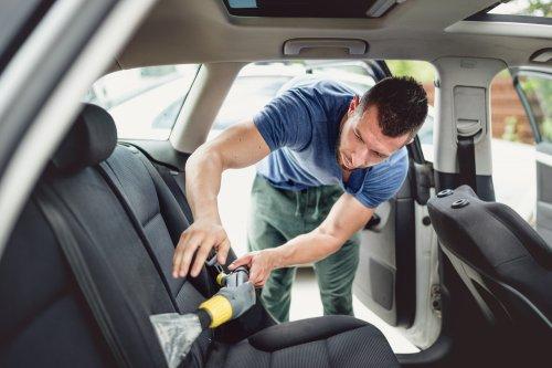 10 Tips Mudah Untuk Membersihkan Jok Mobil
