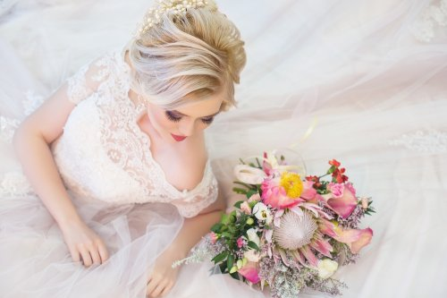 5 Gaun Pengantin Artis Indonesia Yang Cantik Dan Menawan Untuk