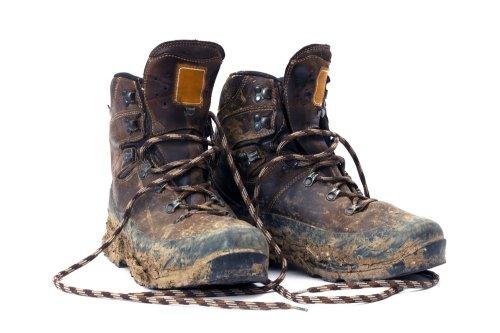 Pilihlah sepatu gunung yang terbuat dari bahan kulit sintetis 7d5d6e6bb7