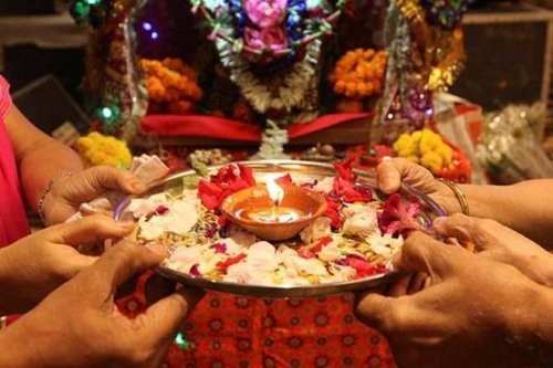 Welcome The Godess And Evoke Deep Spiritual Fervour With These Creative Navratri  Aarti Decoration Ideas(2019)