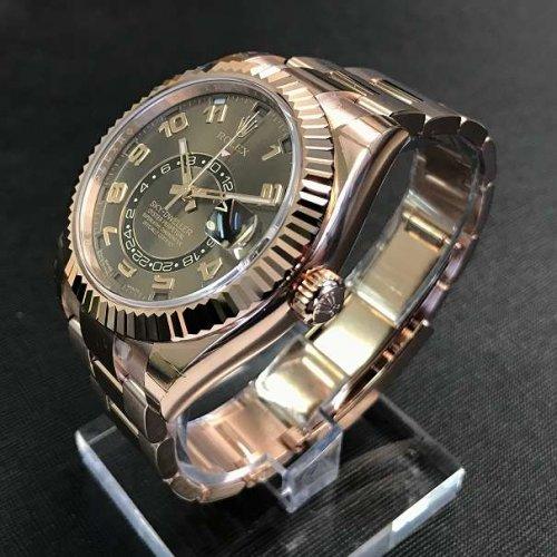 Mau Jam Tangan Berkelas  Ini Dia 10 Model Rolex Paling Dicari di 2018! e5a8e14f2c