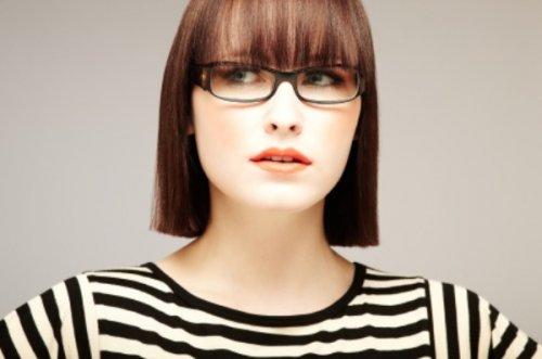 9 Pilihan Kacamata Wanita untuk Wanita Fashionable di 2018 da50325008