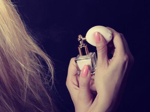10 Parfum Rambut Yang Akan Membuat Rambut Tetap Wangi Dan Terawat