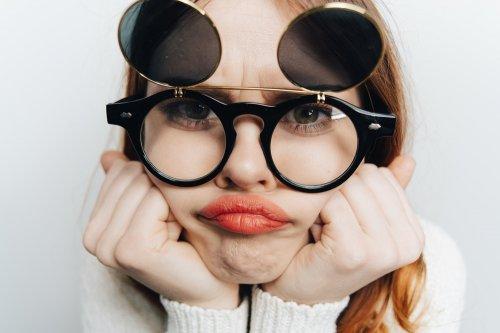 Kacamata untuk orang yang mengalami masalah dalam penglihatan seperti  minus 37c9cdc335