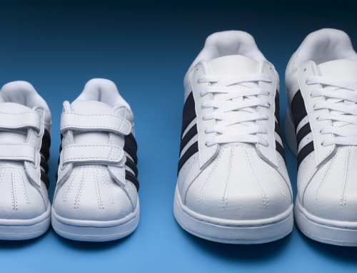 Standar ukuran sepatu asli lebih pasti dengan menggunakan nomor. Sedangkan  sepatu KW tidak punya patokan ukuran yang tepat. Misalnya d59e145e81