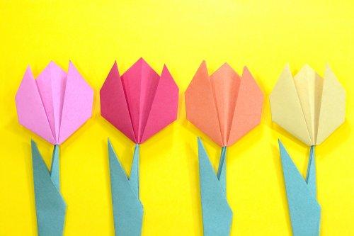 10 Rekomendasi Hiasan Bunga Dari Berbagai Macam Kertas Yang Cantik Untuk Dekorasi Ruangan