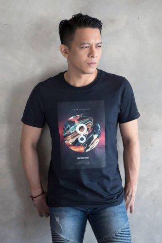 Jual T-shirt Pria Baju Distro Terbaru - Menarik Dan Misterius!
