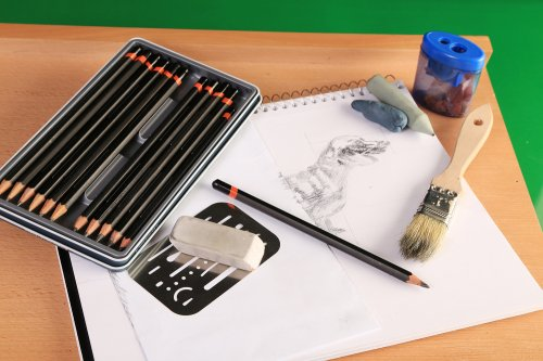 10 Rekomendasi Pena Menggambar Yang Bisa Mendukung Aktivitas Menggambar Anda