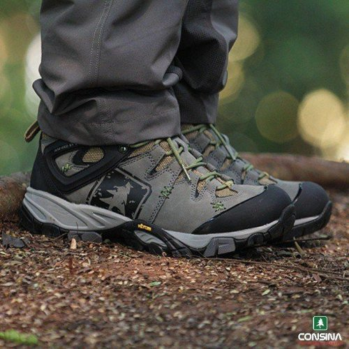 Sepatu Gunung Consina Futura I. Sumber gambar www.bukalapak.com 9cb56534b1