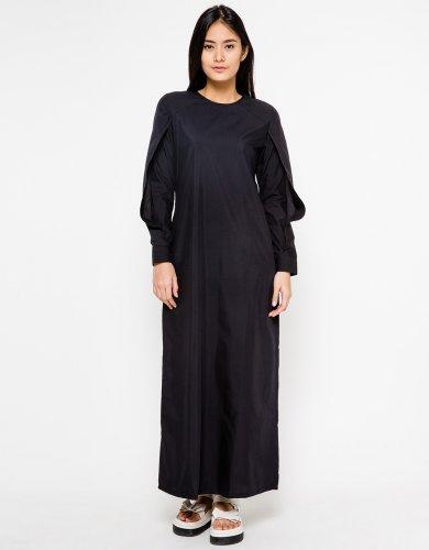 10 Rekomendasi Baju Muslim Berwarna Hitam Yang Membuat Penampilan