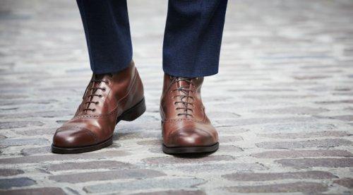 Merawat Sepatu Berbahan Kulit agar Tahan Lama perlu Perhatian dan  Ketelatenan Tersendiri d730296d71