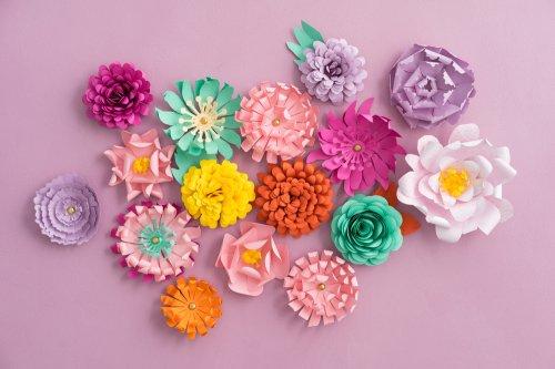 10 Rekomendasi Hiasan Bunga Dari Berbagai Macam Kertas Yang Cantik