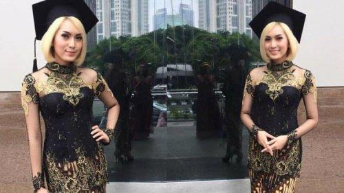 Padu Padan Dan 5 Rekomendasi Model Atasan Kebaya Brokat Yang Akan Membuat Penampilanmu Makin Glamor Dan Elegan