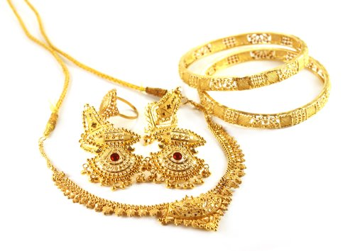 3ae2fda58 If she fancies traditional jewellery then we have got the best collection  of traditional jewellery for your wife. Scroll down further to see our  wonderful ...
