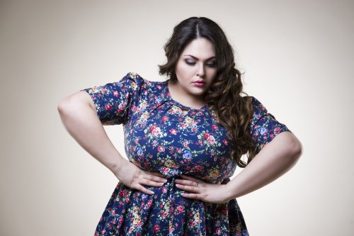 127a1390ee8 We have seen numerous plus size women who think that hiding their belly is their  fashion style. And