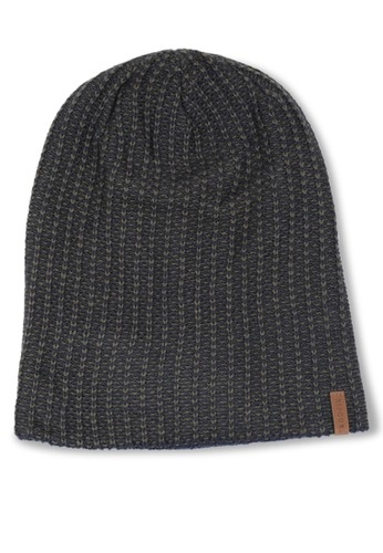 Tunjukkan Gaya Keren Kamu dengan 10 Topi Original Terbaru agar ... ce6d009913