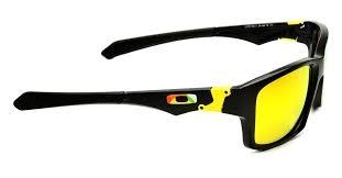 Bergaya Keren dengan Memakai 8 Pilihan Kacamata Oakley Ala Valentino ... 03381f7fa2