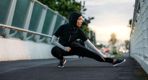 9 Rekomendasi Celana Lari Wanita Muslim untuk Tetap Keren Saat Berolahraga (2020)