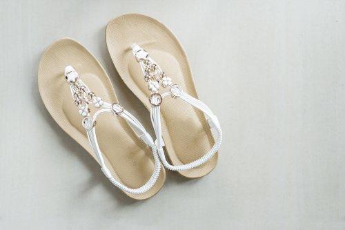 12+ Sepatu Sandal Wanita yang Wajib Dimiliki di 2018 8dacc53bec