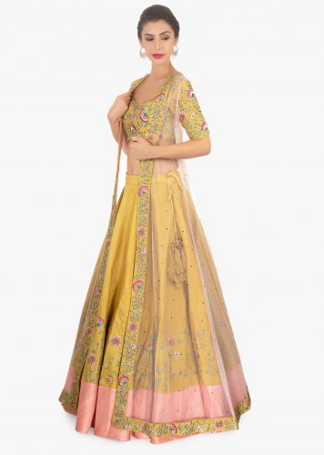 0fd9af1f127d03 Get in on the Latest Trend of Wearing Jackets with Lehengas  10 of ...