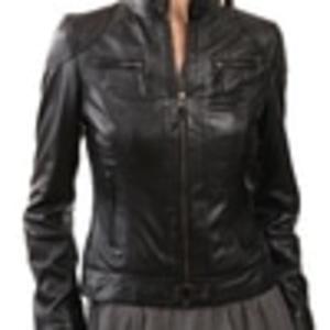 10 Pilihan Jaket Kulit Klasik untuk Pria dan Wanita yang Selalu ... 7f21fb6a1e