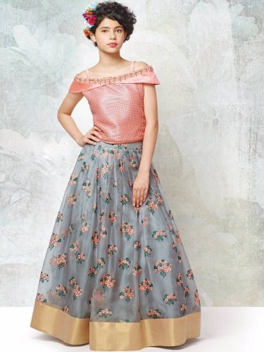 10 Lehenga Cholis That Will Make Your Daughter Look Like An Indian Princess How To Choose And Style The Right Lehenga For Kids 2020