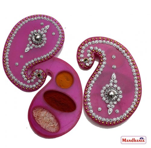 14 Return Gifts Fit For Your Daughter S Grand Half Saree Function Useful Ideas On Giving Her The Coming Of Age Party She Deserves Updated 2020