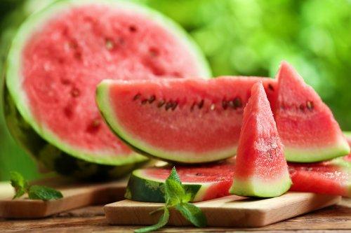 Lagi Diet? Konsumsi 10 Jenis Buah Rendah Kalori Ini untuk Camilan Setiap  Hari