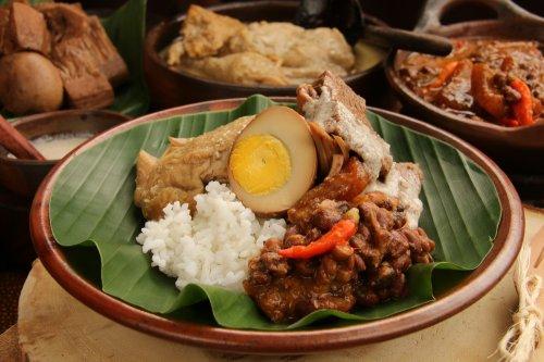 15 Rekomendasi Makanan Tradisional Indonesia Yang Bikin Kamu