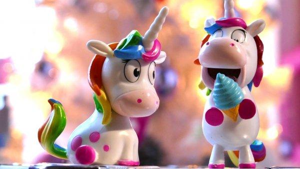 Kamu Penggemar Unicorn? 10 Rekomendasi Barang Unicorn Unik Bisa Jadi Pelengkap Koleksimu, Lho! (2020)