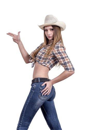 Ingin Tampil Seger dengan Celana Jeans? Yuk Tengok 10 Pilihan Terbaru Celana Jeans Wrangler Keren