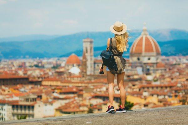Mau Liburan Romantis di Italia? Jangan Lewatkan 10 Rekomendasi Oleh-oleh Khas Italia yang Bisa Dibawa Pulang ini!