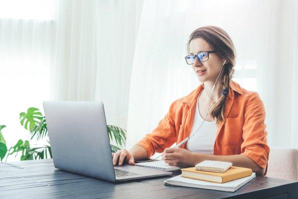 11 Rekomendasi Laptop Tipis Murah ini Tidak Akan Bikin Dompetmu Menipis (2021)