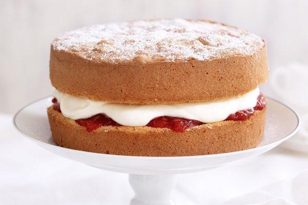 9 सरल और स्वादिष्ट स्पंज केक बनाने की विधि जिन्हे आप घर पर ही बना सकते हैं। साथ में नौसिखिया लोगों के लिए महत्वपूर्ण युक्तियाँ (2020)