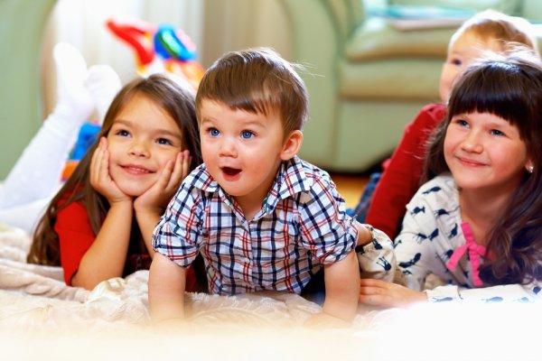 20+ Hadiah Ulang Tahun Anak 3 Tahun Yang Bermanfaat dan Edukatif Dalam 4 Kategori