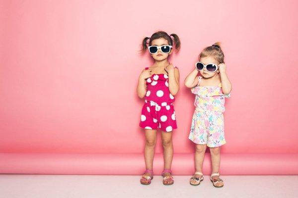 10 Rekomendasi Baju Anak Perempuan yang Bikin Putri Kecil Bergaya Bak Fashionista (2021)