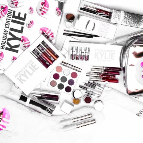 Tampil Memukau dan Cantik Menawan dengan 10+ Produk Makeup dari Kylie Jenner