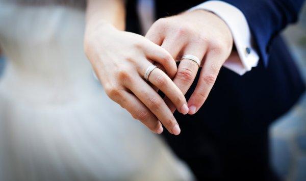 Jadikan Pernikahan Lebih Sakral dan Romantis dengan 10 Rekomendasi Cincin Nikah Berkelas