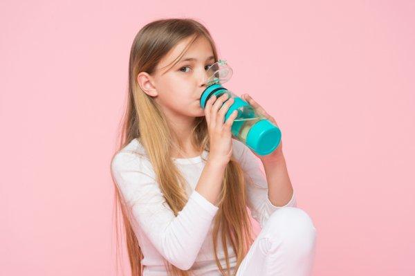Contek 10 Botol Minum Anak yang Wajib Dimiliki Bila Sudah Bersekolah (2020)