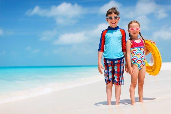 Tips Memilih Baju Renang Anak dan 10 Rekomendasi Baju Renang yang Cocok untuk Putra Putri Anda