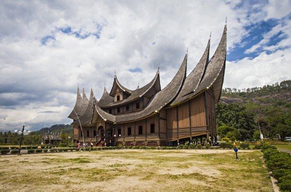 Suntuk dan Ingin Hilangkan Kepenatan? Yuk Rekreasi Wisata ke Sumbar dan Kunjungi 10 Obyek Wisata Favoritnya!