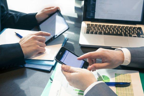 10 Handphone yang Cocok untuk Membantu Menyelesaikan Pekerjaan Anda