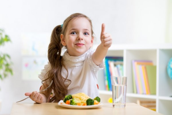 10 Pilihan Camilan Sehat Dan Nikmat Untuk Anak Anda