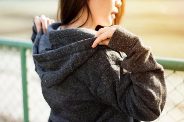 Anda Pencinta Fashion Jepang? 9 Rekomendasi Sweater ala Jepang Ini Bisa Bikin Penampilan Tetap Oke, lho!
