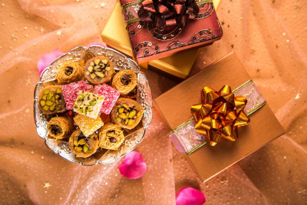 Make Gifting Easy this Festive Season with a Gift Pack: 11 Awesome Ideas for Diwali Gift Packs for 2019