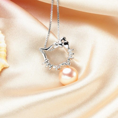 Si Kecil Gemar dengan Pernak-Pernik Hello Kitty? Ada 10 Rekomendasi Perhiasan Hello Kitty yang Lucu Banget