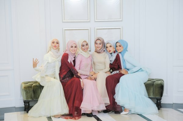 Cantik Saat Lebaran dengan 10 Rekomendasi Fashion Lebaran Wanita Berikut! (2021)