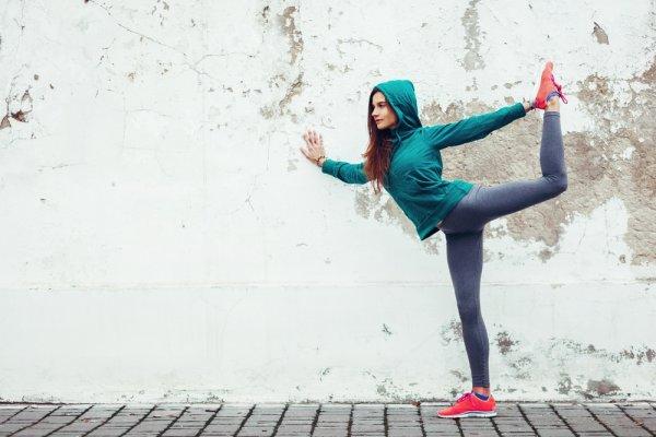 Suka Celana Jogger? Jangan Ngaku Doyan Kalau Belum Tahu Trend Celana Jogger Wanita Terbaru 2018 Ini!
