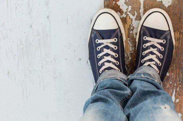 Tampil Makin Percaya Diri dengan 10 Rekomendasi Sepatu Kasual Pria (2020)